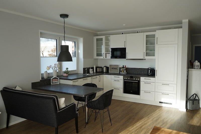 die Küche mit allem ausgestattet