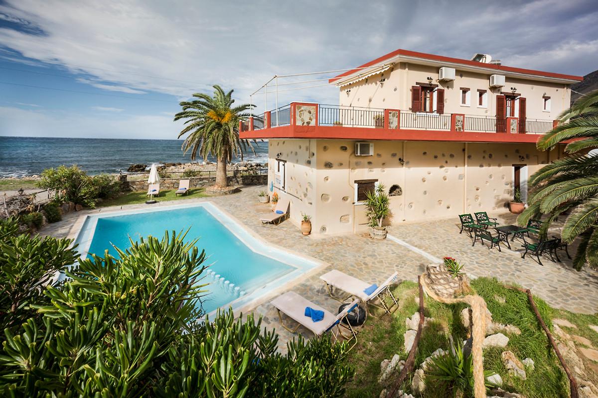beachfront villa private pool crete maison de vacances kissamos louer. Black Bedroom Furniture Sets. Home Design Ideas
