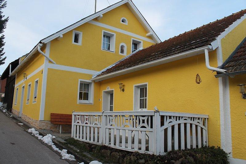 Haupthaus und Nebengebäude