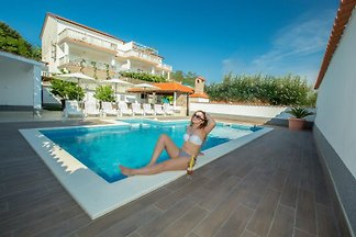 DANIA apartamentos con piscina, en Lopar