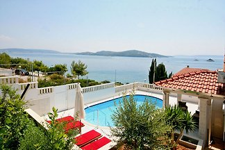 Villa Marin, 30 meters From The Sea