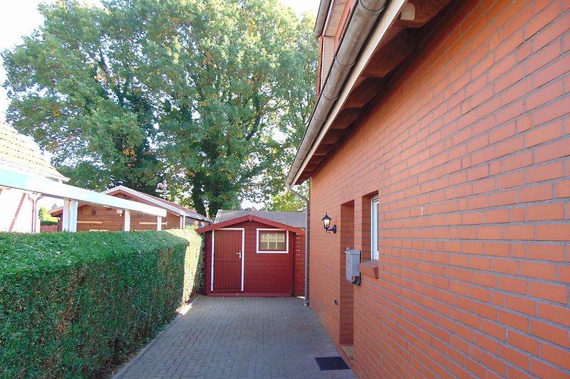 2 Parklplätze direkt am Haus