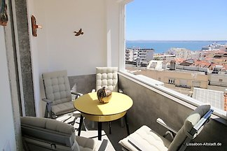 The wonderful Panteao II apartment will overwhelm you with its panoramic view from the spacious balcony. You can reach many sights on foot.