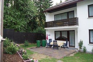 Die ruhigen Kinderfreundlichen Ferienwohnungen Schmidt mit Balkon befinden sich am Stadtrand von Braunlage mit direktem Blick in den Wald Zum Stadtzentrum sind es ungefähr 1000 M.
