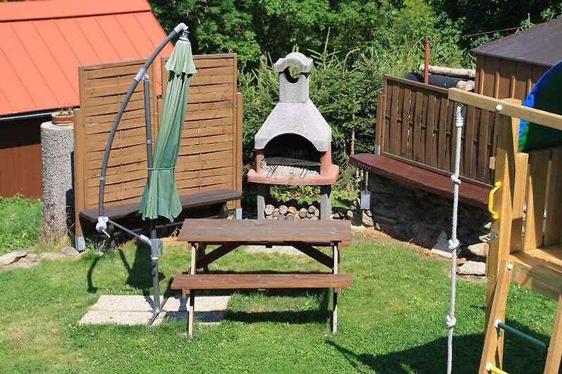 Gartensitz mit Grill