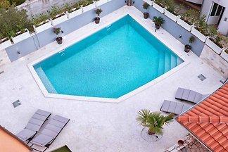 Ferienwohnung mit Pool 250 m vom Strand