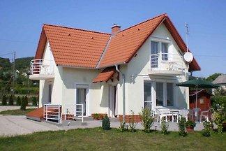 Ferienhaus Balatonpanorámával