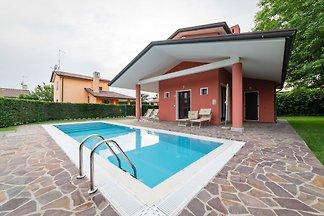 Villa mit eigenem Aussenpool auf der Insel
