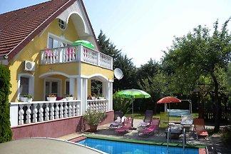 Ferienwohnung mit Pool, Klimaanlage, Waschmas