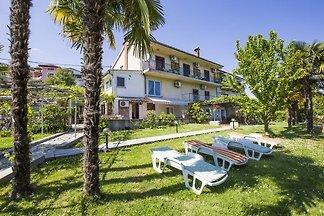 Ferienwohnung mit Garten und Terrasse
