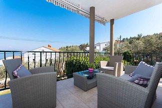 Ferienwohnung mit Terrasse in Meernähe