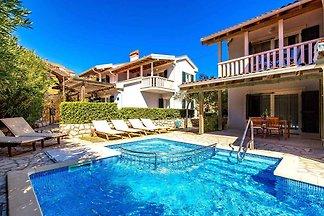 Ferienwohnung mit Pool in Palit ****