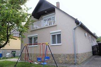 Ferienhaus mit WLAN und Terrasse