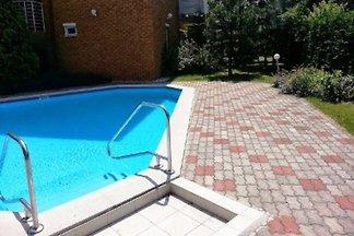 Ferienwohnung mit Pool, nur 100 m vom Strand