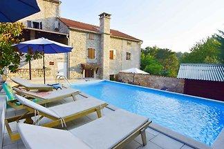 Villa Villa Lea sa bazenom