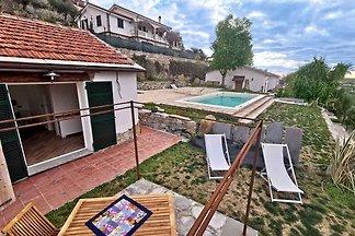 Ferienhaus Studio im Marinestil, hell und