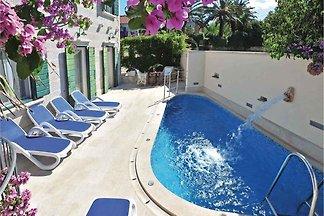 Ferienhaus Angelo mit Pool und Meerblick