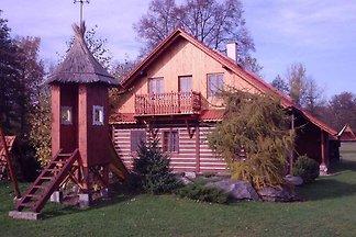 Ferienhaus mit Kaminofen und Kinderspielplatz