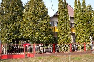 Ferienhaus mit Garten und Gartendusche