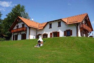 Ferienhaus mit Kamin, Sauna und Garten am