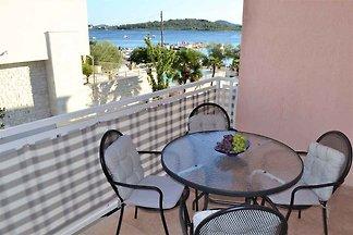 Ferienwohnung mit Klimaanlage und Balkon mit