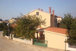 Ferienhaus sa terasom, klimom i 3 kupaonice