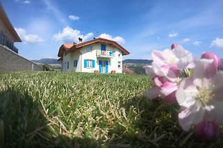Ferienwohnung mit Panoramabalkon und in einer
