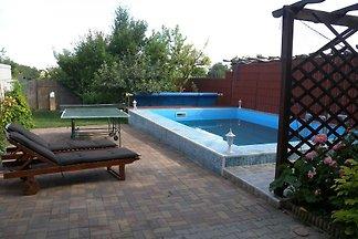 Ferienhaus mit Pool und Waschmaschine