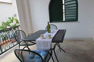 Studio mit Klimaanlage und Balkon
