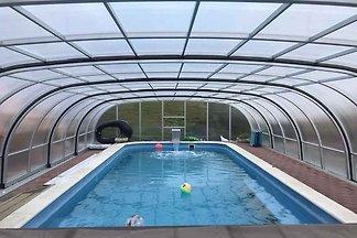Hotelzimmer mit Pool und Wellness