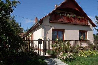 Ferienwohnung mit Terrasse und Gartenpavillon