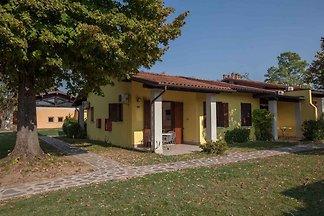 Bungalow mit Terrasse und Klimaanlage
