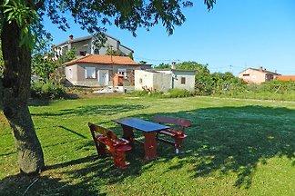 Ferienhaus mit grossem Garten und