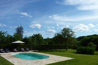 Ferienwohnung mit Pool und grossem Garten
