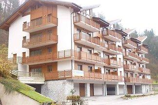 Ferienwohnung mit Balkon und Parkplatz