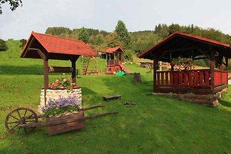 Ferienhaus mit Blick auf den Garten