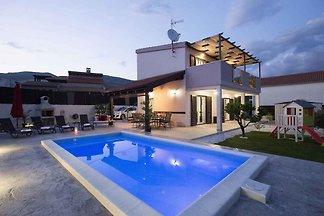 Ferienhaus mit Pool mit Hydromassage