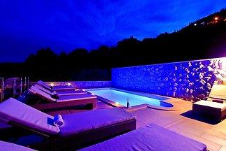 Ferienwohnung mit geheiztem privatem Pool, Ba