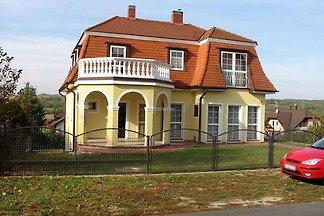 Ferienwohnung mit Terrasse zur Gartenseite