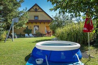 Ferienhaus mit Pool, Klimaanlage, Waschmaschi