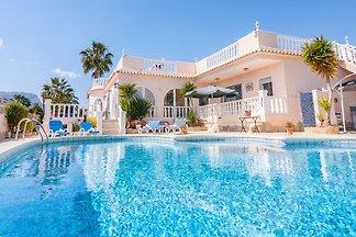 Ferienhaus mit privatem Aussenpool und Meer-