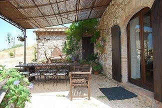 Ferienhaus im Landhausstil mit eigenem Garten