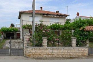 Ferienwohnung mit Terrasse und Waschmaschine