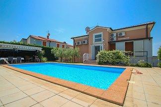 Ferienwohnung mit gemeinsamen Pool