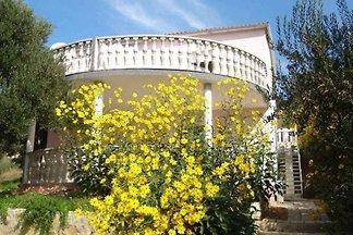Ferienwohnung mit Terrasse und Grill