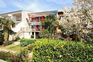 Ferienwohnung mit Balkon, Klimaanlage, Sat-TV