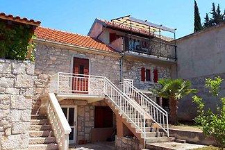 Ferienhaus Stone house Porat.