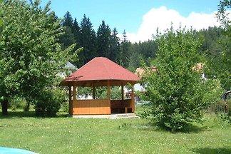 Ferienwohnung mit gemeinsamem Garten und