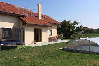 Ferienhaus mit Billard, Aussenpool, Garten un