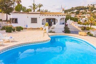 Ferienhaus mit privatem Aussenpool und